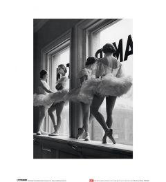 Ballerinas bei das Fenster