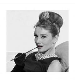 Audrey Hepburn - Cigarette