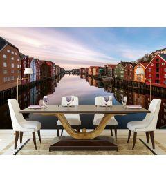 Farbige Häuser Durch Einen Fluss In Norwegen 4-teilige Fototapete 368x254cm